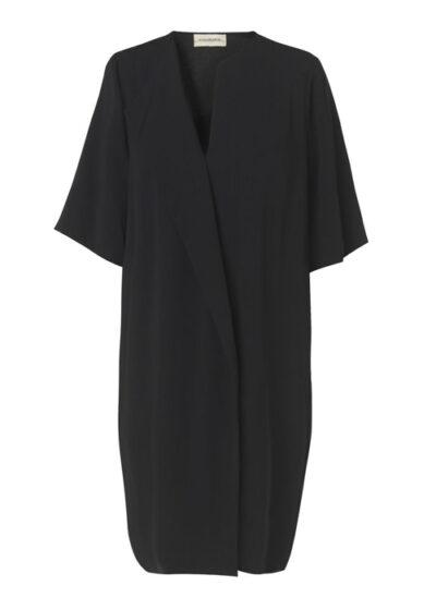 zwart kled