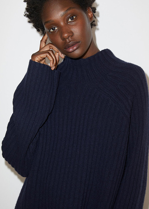 BY MALENE BIRGER OVERSIZED BLUE SWEATER
