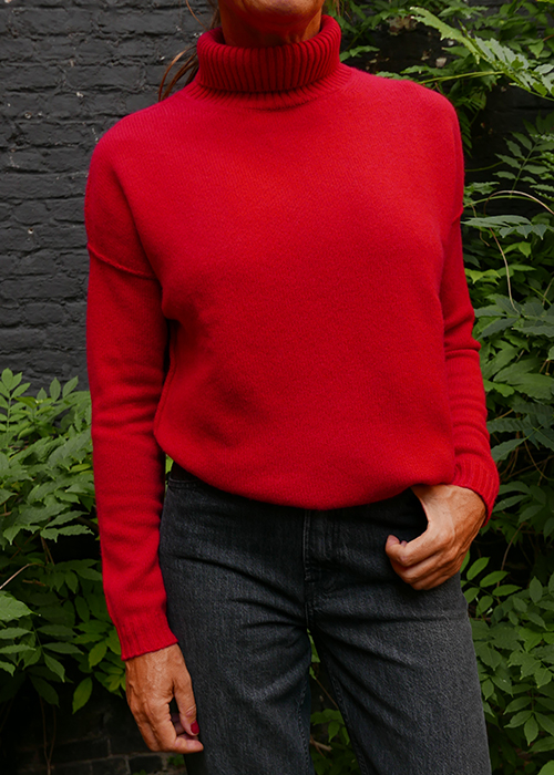 JUMPER1234 RED TURTLENECK